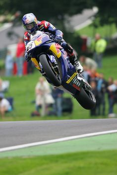 BSB. Johnny Rea, before making it to WSBK, leaping over Cadwell Park mountain.