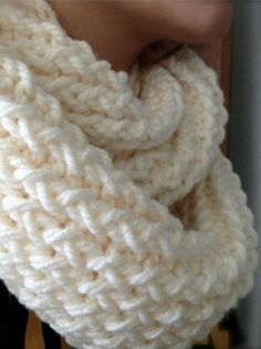 Knitted Chunky Loom Scarf Tutorial - Free Pattern