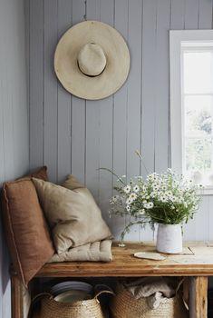 Swedish Farmhouse, Farmhouse Style, Swedish Cottage, Country Style, Style Cottage, Wooden Cottage, Rustic Cottage Decorating, Elle Decor, Sisal