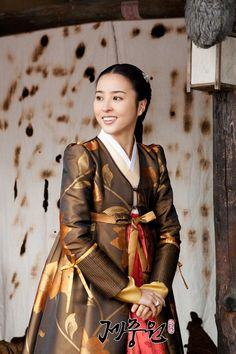 jungwon(Hangul:제중원;hanja:濟眾院) is a 2010 South Koreanperiodmedical dramatelevision series about the establishment ofJejungwonin 1885, the first modern Western hospital in theJoseon Dynasty. StarringPark Yong-woo,Han Hye-jinandYeon Jung-hoon, it aired onSBS for 36 episodes. Chejungwonwas founded inSeoulin 1885, and is known as the first Western medical institution inKorea. Hwang Jung was born to a family of butchers considered the lowest social rank in Joseon. Later he…