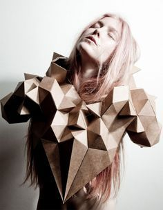 Creative Geometric, Collar, Geometry, Cubes, and Fractal image ideas & inspiration on Designspiration Paper Fashion, Origami Fashion, 3d Fashion, Fashion Details, Fashion Shoot, Moda Origami, Kreative Portraits, 3d Mode, Geometric Fashion