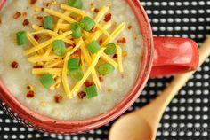 veggie loaded baked potato soup... in the crock-pot! | via peasandcrayons.com #vegetarian #soup #coldweathereats
