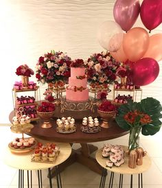 You are looking for ideas for a beautiful engagement decoration and fit the cakes? Check out our list of ideas and learn how to decorate your party! 18th Birthday Party, Pink Birthday, Birthday Party Decorations, Baby Shower Decorations, Havanna Party, Engagement Decorations, Baby Shower Brunch, Girl Themes, Wedding Balloons