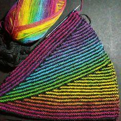 Sommerbrisetuch – free instructions – gluten-free recipes & creative ideas Shortened rows Knitting Kraus Right Easy Knitting, Knitting Stitches, Knitting Needles, Knitting Yarn, Knitted Shawls, Crochet Shawl, Knit Crochet, Yarn Crafts, Knitting Projects