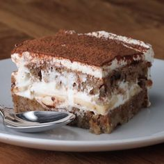 Banana Nut Tiramisu Recipes and yummy cake tips Just Desserts, Delicious Desserts, Yummy Food, Baking Recipes, Cake Recipes, Dessert Recipes, Dinner Recipes, Dinner Menu, Tasty Videos