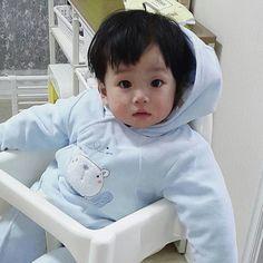 Cute Baby Boy, Cute Little Baby, Pretty Baby, Little Babies, Cute Kids, Baby Kids, Cute Asian Babies, Korean Babies, Asian Kids