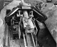 """7,5cm PaK 40, L/46 auf mittlerer Schützenpanzerwagen """"Pakwagen"""" SdKfz 251/22 ausf. D)."""