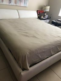 Used King Size Bed Frame For Sale In Coconut Creek Letgo Queen