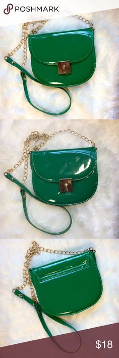 Cute Green Crossbody Bag In good condition from forever 21 in the front their are several small scratches which are unnoticeable unless put underneath a lamp and signs of wear surrounding the top front and back. Inside is like new no stains or marks in front on the bottom right corner it has faded scratch mark Forever 21 Bags Crossbody Bags