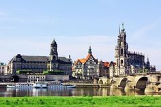 One of Germany most beautiful cities, Dresden first gained its pre-eminence in the year 1485. | Amazing Photography Of Cities and Famous Landmarks From Around The World Best Vacation Spots, Best Vacations, Most Beautiful Cities, Beautiful World, Joachim Gauck, Countries Europe, Famous Landmarks, Going On Holiday, Rest Of The World