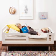Oeuf Classic Toddler Bed #oeufnyc #toddlerbeds #modernkids #kidsrooms #moderndesign #kidsinspiration #coolkidsrooms #kidsdecor #homeinspiration