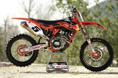 When wanted to ride Ryan Dungey's KTM 450SXF works bike we had a plan. It was a simple plan. We called KTM team manager Roger DeCoster and asked if he would give us Dungey's bike. Roger asked, ?When would you like it? What track do you want to ride it at? Who will ride it? Do you want his
