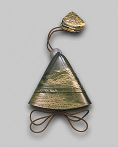 """virtual-artifacts: """" Case (Inrô) in the Shape of Mount Fuji, with Design of Ferryboat and Figures Based on a design by Hanabusa Itchô (Japanese, Artist: Inro by Kajikawa School Period: Edo. Art Japonais, Japanese Characters, Edo Period, Mount Fuji, Japan Art, Katana, Old Art, Japanese Culture, Metropolitan Museum"""