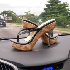 hot high heels and skirt Hot High Heels, Platform High Heels, Sexy Heels, High Heels Stilettos, Shoes Heels, Pretty Shoes, Cute Shoes, Me Too Shoes, Beautiful Heels