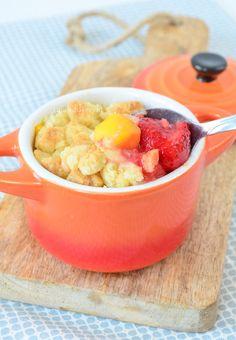 Mango aardbei crumble - Laura's Bakery