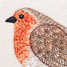Little robin #embroidery #handembroidery #robin #christmas #embroideryhoop #embroideryhoopart #hoopart #handmade #craft #bordado #broderie #birdembroidery
