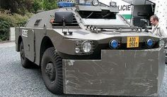 Bug out vehicle Type Unknown Zombie Vehicle, Zombie Gear, Bug Out Vehicle, Riot Police, Police Cars, Ford Police, Army Vehicles, Armored Vehicles, Apocalypse Survival