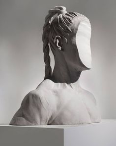 Chris Curreri. Medusa, 2013. Cement