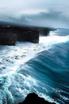 New Nature Photography Ocean Hawaii Surfing Ideas Hawaii Volcanoes National Park, Volcano National Park, National Parks, Sea And Ocean, Ocean Beach, Ocean Waves, All Nature, Amazing Nature, Belle Photo