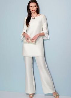 V1538 | Misses' Ruffle-Sleeve Tunic and Bootcut Jumpsuit | Vogue Patterns Vogue Patterns, Look Fashion, Fashion Design, White Casual, Overall, Designer Dresses, Fashion Dresses, Jumpsuit, Clothes For Women