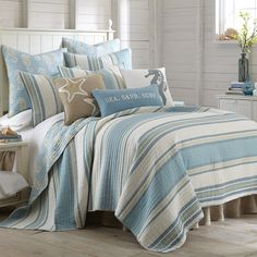 Bring the seaside into your home with the Naples Quilt Set, offering a stylish and fun addition to your home. This set boasts an attractive striped front, and artfully reverses to a sea horse print on a calming ground. Beach Cottage Decor, Farmhouse Bedroom Decor, Coastal Cottage, Coastal Living, Coastal Farmhouse, Modern Coastal, Rv Living, Living Room, Naples