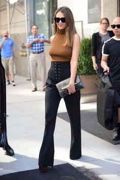 "critic-corner: "" Jessica Alba at New York Fashion Week 2016 : Jessica looked…"