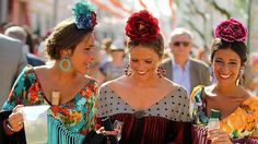 Las tendencias de moda flamenca que se han visto en el real de la Feria de Sevilla Gypsy Witch, Spanish Dancer, Flamenco Dancers, Spanish Fashion, Dark Skin Tone, Crown Hairstyles, Spain, Culture, Pure Products