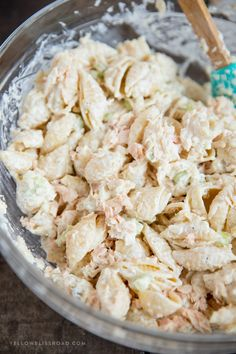My Tuna Pasta Salad is the perfect picnic lunch or anytime meal. With tender pasta, a creamy dressing and healthy tuna, it's the perfect meal for any time. Tuna Pasta Salad - Tuna Pasta Salad: perfect for picnics or potluck, lunch or dinner Tuna Noodle Salads, Tuna Macaroni Salad, Healthy Tuna Pasta Salad, Cold Pasta Salads, Pasta Salad Recipes Cold, Seafood Salad, Seafood Recipes, Gourmet Recipes, Cooking Recipes
