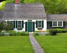 ideas for exterior house white cape cod Cape Cod Exterior, White Exterior Houses, Exterior House Colors, White Houses, Exterior Paint, Colonial House Exteriors, Cape Cod Cottage, White Cape, White Trim