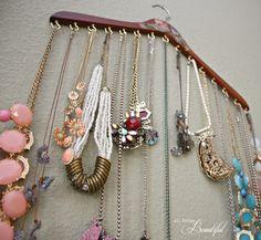 decor-quick-tip-hanger-jewellery-organizer-1.jpg (640×591)