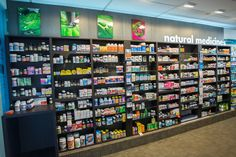 Glenview+Pharmacy+Vitamin+Wall+-+Retail+Design+-+Lloyd+Sinton+Design-2.jpg (1000×667)