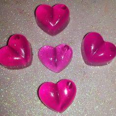 detalles para regalar este 14 de febrero  Precio: 470 bs incluye una docena de corazones mini colores y fragancias escojidas por ti  #regalos #souvenirs #jabones #soaps #art #glicerina #jabonesartesanales #gel #cremas #handmade #hechoamano #venezuela #maracaibo #zulia #niños #boys #niñas #girls #love #amor #sanvalentin #valentineday #bemyvalentine #heart #corazones #loveday #diadelamor  by lazosvalentina