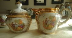 12 pieces Seltmann Weiden Bavaria Serie Barock golden porcelain thee or coffee set. The set is really gorgeous, the photos dont do it justice.