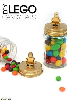 If you have a Lego enthusiast on your hands, you probably get sick of seeing everything Lego. but these DIY Lego Candy Jars are pretty awesome! Diy For Teens, Diy For Kids, Deco Lego, Lego Candy, Diy Cadeau Noel, Lego Gifts, Lego Craft, Minecraft Crafts, Lego Bedroom