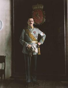 "En güzel dekorasyon paylaşımları için Kadinika.com #kadinika #dekorasyon #decoration #woman #women C. G. Mannerheim the 6th President of Finland and the only person to have ever held the title ""Marshal of Finland"". At the time of this photo Mannerheim was the Regent of Finland. Helsinki 1919."