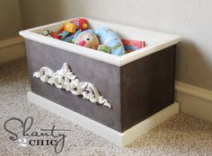 DIY Wood Toy Box or Blanket Box. Left natural, this would be pretty filled with greenery and berries and used on the porch for fall.