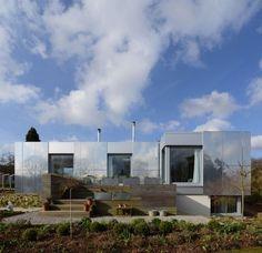 Nachhaltiges grünes Haus in UK bietet eine Kombination aus Smart Technologie und zeitgenössischem Design - http://wohnideenn.de/architektur/07/grunes-haus-in-uk.html #Architektur