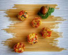 Frittomisto: cucina ed emozioni: Frittatine di spaghetti con pomodoro, mozzarella e...