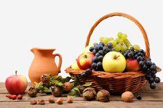 Sepeti, meyve kavanoz, üzüm, elma, fındık, yabani gül vektör