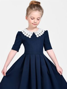 Платье Джулия Wool Sc Alisia Fiori. Цвет синий, молочный. Вид 2. Girls Dresses Sewing, Vintage Girls Dresses, Frocks For Girls, Dresses Kids Girl, Wedding Dresses For Kids, Baby Girl Party Dresses, African Dresses For Kids, African Fashion Dresses, Girls Fashion Clothes