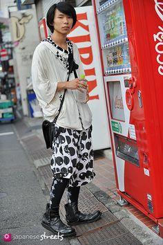 Japanese street fashion in Harajuku, Tokyo (Airi, ALGONQUINS, PUTUMAYO)