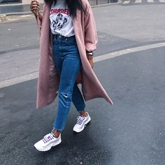Aude-Julie Alingué - Asos Mom Jeans, Nike Air Max 95, Thrasher White Tee - ABOUT PINK | LOOKBOOK
