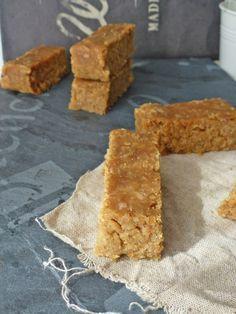 Barres de céréales aux flocons d'avoine et beurre de cacahuète