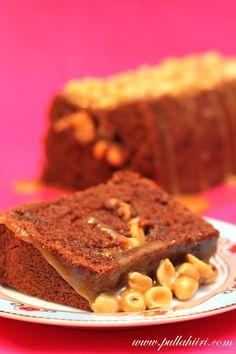 Suolapähkinät, kinuski, suklainen kakku... Nam!    Olipa  taas vaikeaa keksiä tälle kakulle nimeä... Selviäähän tuosta mitä  kakussa ...