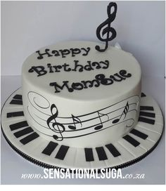 Music Note Piano Keys Cake cakepins.com