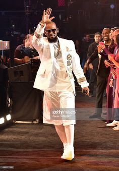 Recording artist R. Kelly performs during the 2015 Soul Train Music Awards at the Orleans Arena on November 2015 in Las Vegas, Nevada. Get premium, high resolution news photos at Getty Images Train Music, Soul Train, Music Awards, Nevada, Las Vegas, November, Celebs, Artist, Image