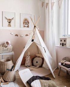 Samstag Nachmittag Mood – wundervoll dekoriert ist wann Kinderzimmer der lieben … Saturday afternoon Mood – wonderfully decorated when nursery of the dear Cool Bedrooms For Boys, Girls Bedroom, Baby Room Decor, Nursery Decor, Nursery Ideas, Girl Nursery, Bedroom Ideas, Half Painted Walls, Girl Room