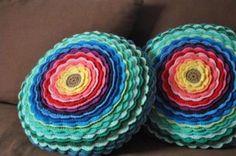 Blog Claudia Tenório: Aprenda a fazer uma linda capa para almofadas em crochê!