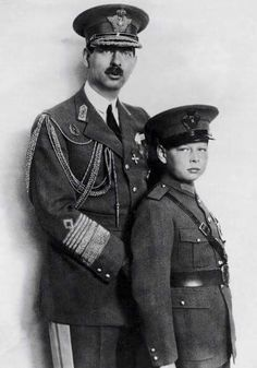 Portrait Around 19301931 Of King Carol Ii Of Romania With His Son Prince Michael Deposed From The Throne By His Father In 1930 To Pursue His Studies. Romanian Royal Family, Romanian Flag, Michael I Of Romania, Royal Throne, Princess Alexandra, Kaiser, Royal Weddings, Queen Victoria, Queen Elizabeth Ii