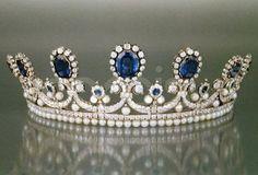 da rainha Marie Amelie Sapphire, Diamond & Pearl Tiara, França (1830; feitas por Bapst; safiras, pérolas, diamantes).  por Shannon